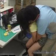 【JKレイプ動画】変態店長に襲われて『痛いっ』と泣きながら犯される男性経験少ない女子校生