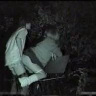 【流出動画】公園の監視カメラは見たww学生カップルが野外でセックスww