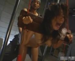 【監禁レイプ動画】監禁され毎日中出しレイプされる精液便所になっているギャルペットwww