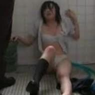 【JKレイプ動画】ガチで卑劣!トイレで暴行され泣き喚く女子校生が犯される恐怖映像...