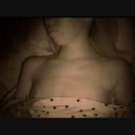 【近親相姦レイプ動画】実妹が寝ている所を襲う兄の凶行!未発達な身体に欲情するキチガイ兄の強姦映像!