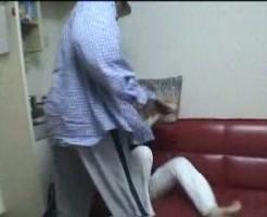 【黒人レイプ動画】ドン引きやわ...日本人女性を懲らしめる為に依頼した外人が凶暴でエグい暴行でマンコ破壊!