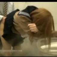 【ガチ盗撮動画】トイレに設置した隠しカメラに円交JKの中出しセックスが録画され流出した問題
