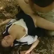 【JK強姦動画】レイプ魔の鬼畜な犯行!薬物で失神させられた女子高生が竹林で犯される・・
