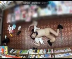 【ロリレイプ動画】鬼畜注意!本屋で立読みする大人しい女子高生が店員2人に上下の穴をめちゃくちゃに犯される中出しレイプ!