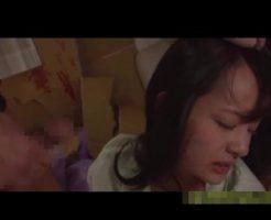 【近親相姦レイプ動画】マン毛も生えてない中学生の娘が窒息するまでイラマチオさせてそのまま生姦レイプする鬼畜すぎる父親・・