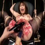 【凌辱レイプ動画】真面目なOLを四肢緊縛してSM凌辱!蝋まみれになった膣と肛門にバイブぶち込んで精神崩壊させたったww
