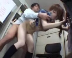 【ガチレイプ動画】キセルで捕まったJK少女がブチギレた駅員に生姦レイプされる一部始終・・・