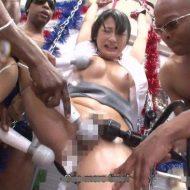 【黒人レイプ動画】1人旅で沖縄に来た女子大生が黒人兵に3人に集団レイプされて絶叫アクメ地獄・・・