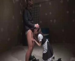 【監禁レ●プ動画】完全なる狂気!ロリメイドを地下室に監禁し性奴隷として飼育する狂った富豪・・・