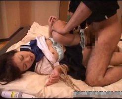 【ロリレイプ動画】セーラー服の女子校生を拉致って緊縛レイプ!泣きじゃくる少女に肉棒ぶち込んで中出ししたったww