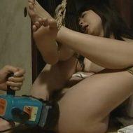 【SM凌辱動画】元旦那に拉致監禁された美女がマンコに泡盛注がれ泥酔しドリルバイブで子宮ガン突き姦・・・