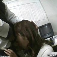 【レイプ盗撮動画】万引きした主婦を恫喝してチンコしゃぶらせ中出しレイプする店員の犯行を捉えた隠し撮り映像が流出w