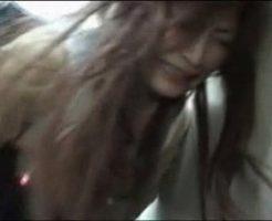 【ガチレイプ動画】夜道を歩くギャルJKを公衆便所に連れ込んで強姦!泣きじゃくる少女を情け容赦なく犯す・・・