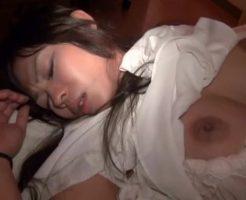 【ガチレイプ動画】泥酔して駅のベンチで眠りこける女子大生を拉致ってレイプする鬼畜強姦魔・・・