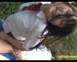 【JCレイプ動画】凶悪注意!制服姿の中〇生少女を茂みに連れ込んで青姦レイプ!