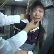 【リアルレイプ動画】号泣する女子中学生くらいに見える少女をイカせ続けた結果・・・・