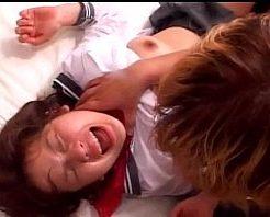 【無修正レイプ動画】制服JK首絞め輪姦!号泣する少女を容赦なく犯す鬼畜たち・・・