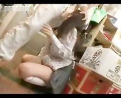【JKレイプ動画】女子校生の狭いマンコに大根挿入して拡張し生チンポで処女膜破壊レイプ・・・