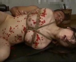 【人妻レイプ動画】ドS全開!鬼畜に拘束された美人若妻が首絞め強姦で悶絶!窒息寸前になり白目向いて痙攣するw