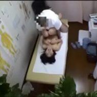 【盗撮レイプ動画】※ガチ注意!整骨院に腰の治療に来たOLを強姦する鬼畜整体師・・・
