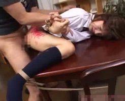 【JKレイプ動画】凶悪注意!変態強姦魔に緊縛された制服女子校生が蝋燭で責めながらの生姦で号泣...