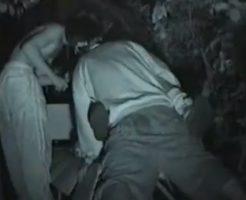 【青姦レイプ動画】※ガチ注意!公園のベンチで泥酔ギャルをDQN2人が中出し輪姦・・・