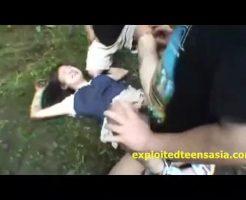 【野外レイプ動画】※ガチ閲覧注意!女子校生を山奥に拉致って中出し輪姦する腐れ外道の犯行・・・