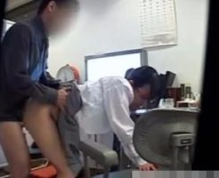 【JKレイプ動画】風邪で受診に来た女子校生を力づくで犯すキチガイ医師の犯行一部始終…