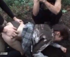 【JKレイプ動画】そこまでやるか...女子校生を山に拉致して集団輪姦!