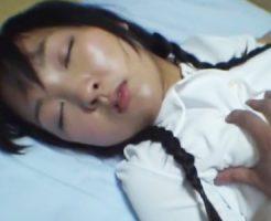 【ロリレイプ動画】ガチやば流出!睡眠薬でJCを昏睡強姦!処女マンコに悲痛な貫通・・・