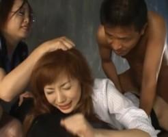 【拷問レイプ動画】未使用のアナルを乱暴に犯される美女が痛いと泣きながら高速ピストンで生ハメし失禁しそう