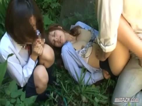 【レイプ】強姦魔に脅迫された教え子JKの身代わりに目の前で種付けレイプされる美人女教師