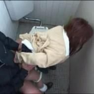 【強姦動画】ギャルJKを公園のトイレに連れ込んでレイプ