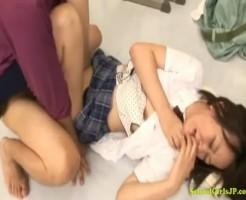 【JKレイプ動画】ガチ泣きしている女子校生に無情な中出し強姦する鬼畜教師!