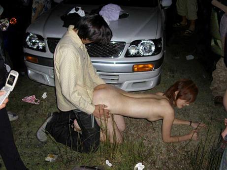 【悲惨レイプ動画】極悪非道な強姦魔により無惨な姿にされ精神的にも犯される美女...