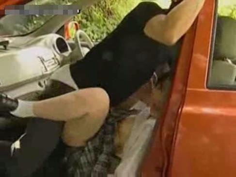 【鬼畜レイプ動画】山奥でカーセックスしている所を襲い横取りレイプ!彼氏以外の肉棒を無理矢理ぶち込まれ妊娠させられてしまう・・