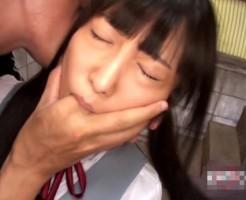 【JKレイプ動画】変態男が嫌がる女子校生を脅してフェラさせ精液を飲ませる鬼畜行為...