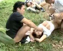 【野外レイプ動画】白昼堂々の犯行!下校途中の女子校生をハイエースで拉致って連続中出し強姦・・・