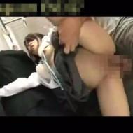 【ロリレイプ動画】満員の東横線で私立の中学生を痴漢レイプ!ウブなマンコを鬼畜肉棒で突きまくる・・・