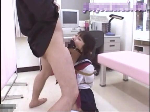 【無修正ロリレイプ動画】チンコを見たことも無い中学生の少女を緊縛して性欲処理専用肉便器としての調教を施す・・・
