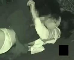 【本物レイプ動画】閲覧注意!学校帰りの女子校生を路上で襲って強姦する凶悪な犯行...