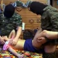 【鬼畜レイプ動画】イスラムの兵隊が来ると・・・愛娘が犯される所を自ら撮影させられるらしい・・・