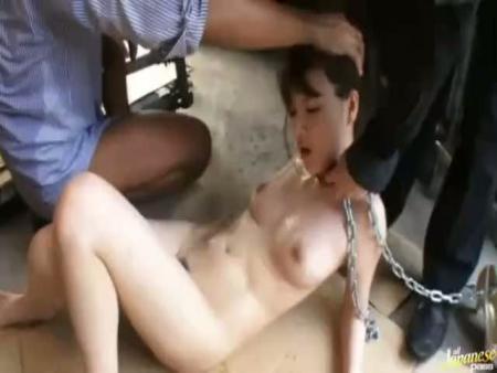 【集団レイプ動画】美女をクロロホルムで失神させて拉致した鬼畜達による酷すぎる集団凌辱レイプ映像・・・
