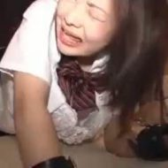 【ロリレイプ動画】泣きじゃくる女子高生の生ケツ鬼畜突きレイプ!幼マンコを容赦なく犯し濃厚精子注入したったww