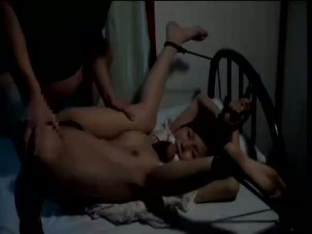 【NTRレイプ動画】自宅に押し入った彼氏の同僚に四肢を縛られ強引に種付けレイプされる美人OL・・・