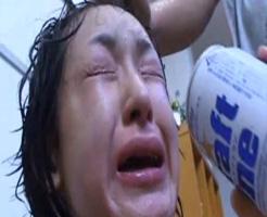 【本物レイプ動画】アカンやろこれ...泣き叫ぶ女の子に無理やり酒飲ませて暴行しながら強姦