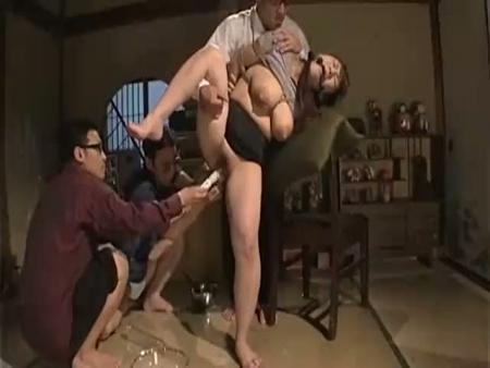 【緊縛レイプ動画】妊娠中の人妻を緊縛し牛乳浣腸ぶち込みアナル崩壊!搾乳機で母乳を搾り取り生肉棒でガン突きFUCK!
