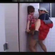 【レイプ動画】ガチ注意!飲み会帰りのほろ酔いギャルを公衆便所に連れ込んで中出しレイプ・・・