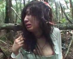 本物…?山奥に連れ去られた女が泣きながら泥まみれで集団レイプされるマジキチ現場